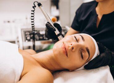 Апаратна косметологія в «AVE EVA Clinic»